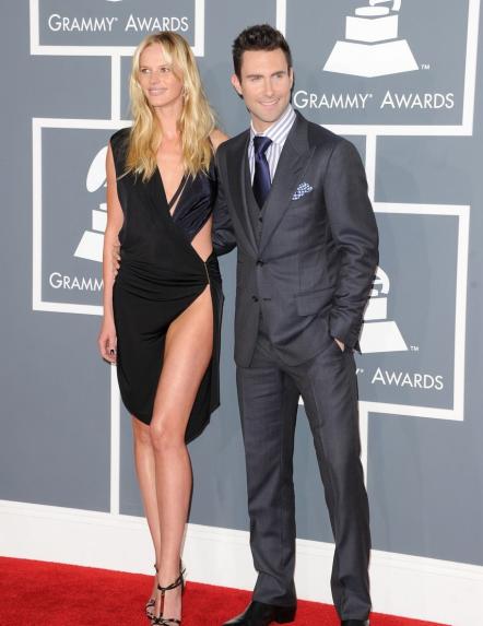 Самые откровенные платья звезд в 2012