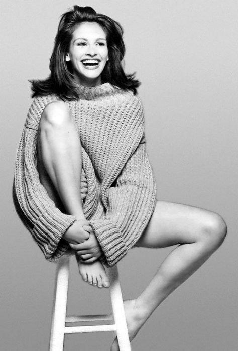 Фото красивых и длинных женских ног Джулии Робертс
