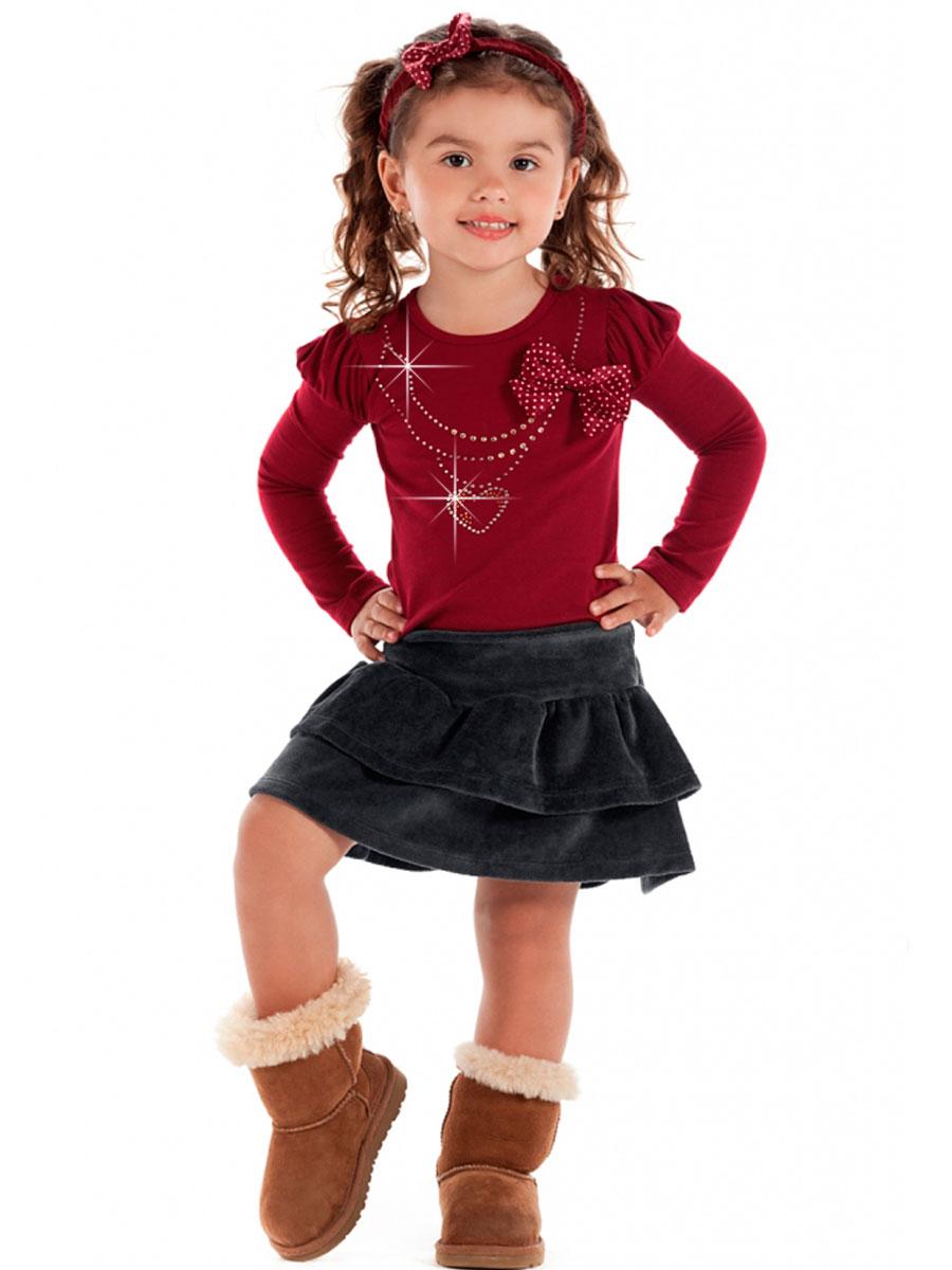 У маленькой девочки под юбкой 6 фотография