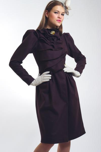 Пальто дизайнерские женские,осеннее пальто шоколадного цвета в каталоге пальто 2011-2012г. российского