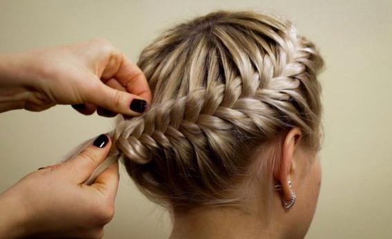 плетения корзинки из волос
