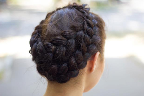 Как плести корзинку из волос?