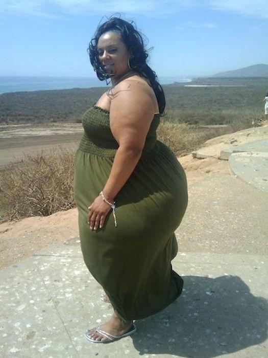 Фото голых женщин в полный рост с большими и широкими бедрами смотреть бесплатно 1 фотография